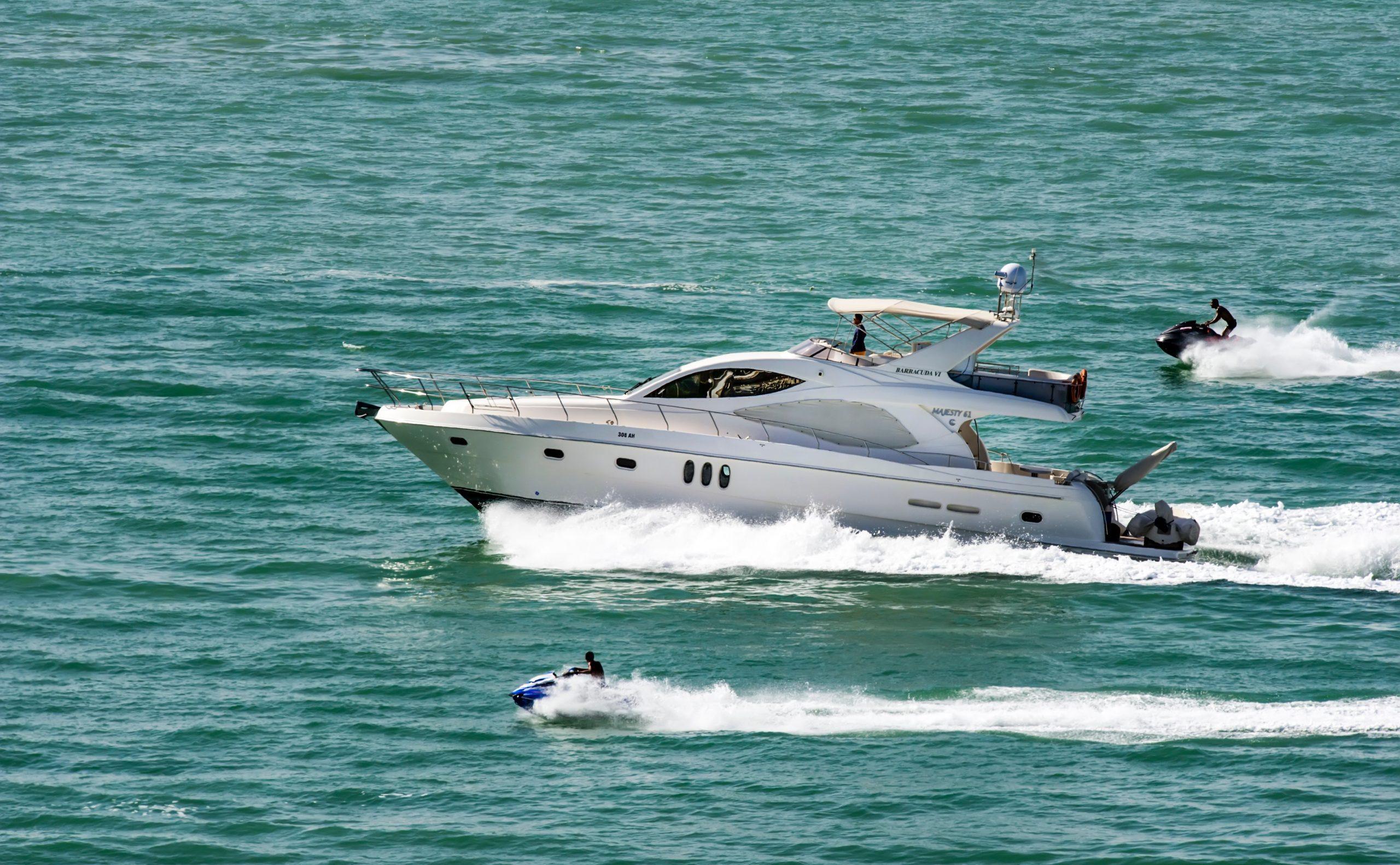 action-boat-jetski-leisure-625418